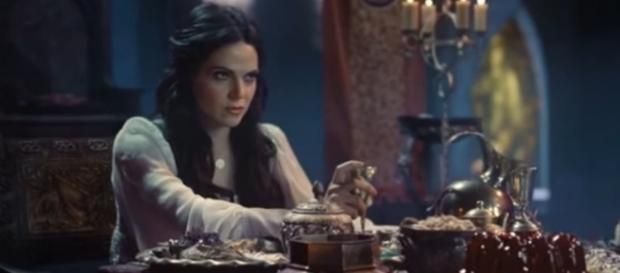 Regina fights back against the Evil Queen in 'Once Upon A Time' - Image via MaleficentsUnicorn/Photo Screencap via ABC/YouTube.com