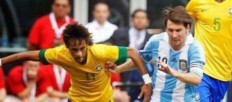 Neymar e Messi jogam desta feita em lados opostos