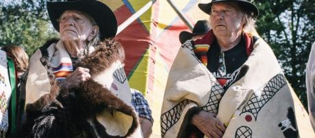 Willie Nelson and Neil Young Rock Against Keystone XL at 'Harvest ... - indiancountrytodaymedianetwork.com