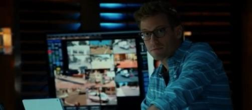 Eric (Barrett Foa) in 'NCIS: LA'/Photo via screencap, 'NCIS: LA'