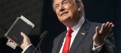 O mais novo presidente dos USA declara ser evangélico