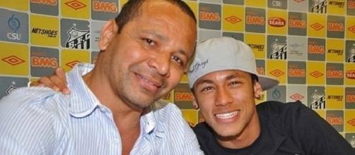 Pai de Neymar faz defesa de si mesmo