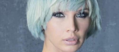 Tagli capelli corti inverno 2017: haircut corto color Denim Delavè -Collezione Autunno Inverno 2016 2017Joyà Italy-Compagnia Della Bellezza