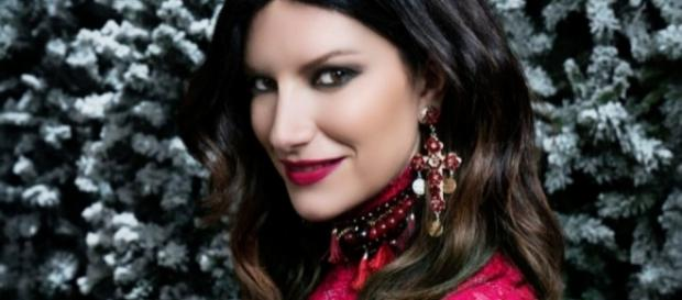 #LauraPausini debutta alla #1 in 'FIMI', con 'Laura Xmas'. #BlastingNews
