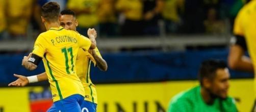 Coutinho e Neymar foram os nomes da noite de gala.