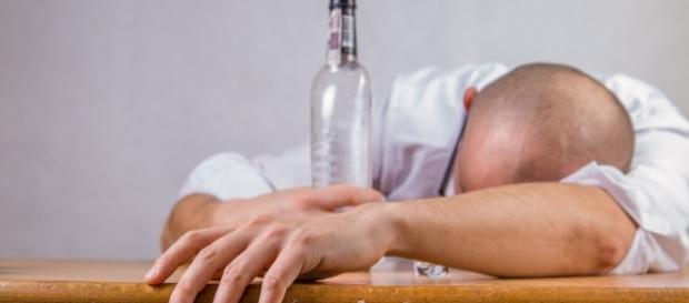 5 Dicas para ajudar a sobreviver a um dia de trabalho com ressaca.