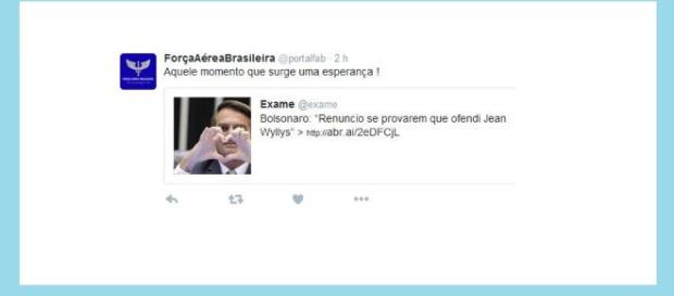 Bolsonaro é elogiado pela Força Aérea Brasileira via Twitter.