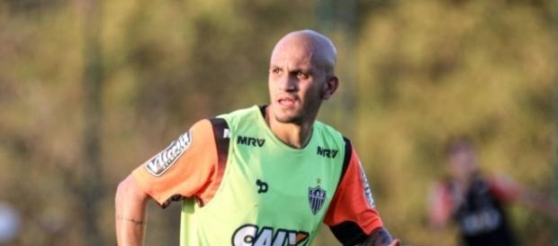 Fábio Santos trabalhou com Tite no Corinthians e está, atualmente, no Atlético-MG