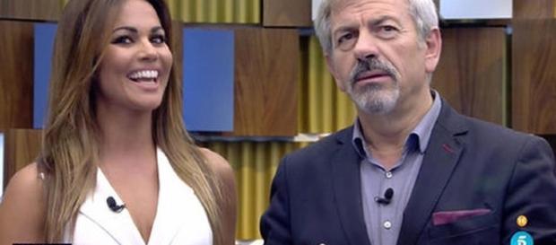 Lara Álvarez y Carlos Sobera dieron la noticia de las campanadas en la gala de GH17