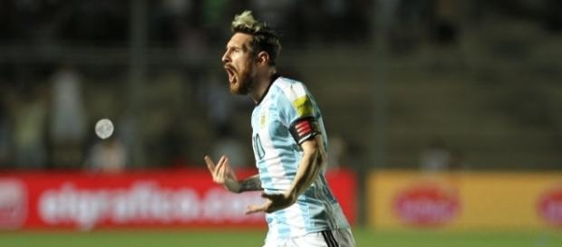 Leo Messi lo hace todo y revive a Argentina tras ganar 3-0 a Colombia