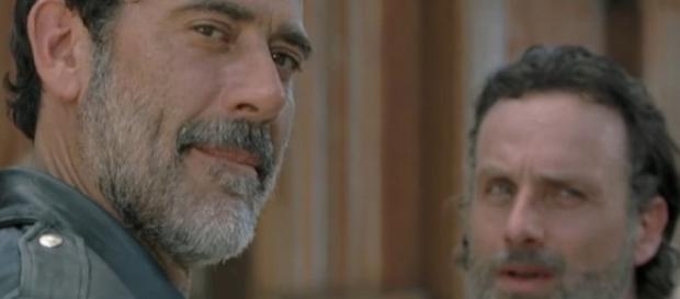 Negan comes knocking 'The Walking Dead' season 7 episode 4 (via YouTube amc)