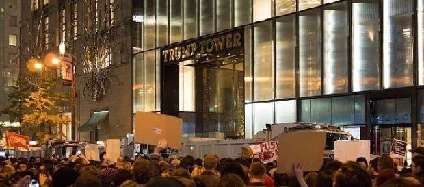 Trump Tower protests (Credit: Rhodendrites - wikimedia.org)