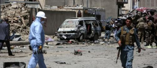 Afghanistan, kamikaze contro truppe Nato all'aeroporto di Kabul