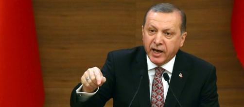 Erdogan amenaza con dejar pasar a los sirios hacia Europa - lavozdegalicia.es