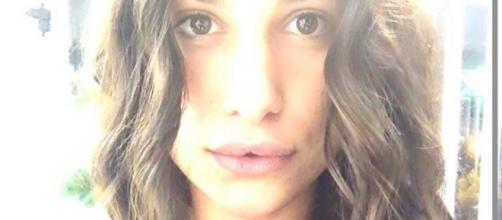 Ludovica Valli additata per essersi presumibilmente rifatta le labbra ad appena 19 anni