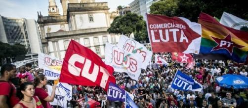 Manifestación en Brasilia durante la huelga general