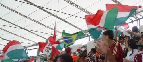 Torcida do Fluminense irá em peso na terça para empurrar o time contra o Atlético-PR no Maracanã (Foto: Arquivo)