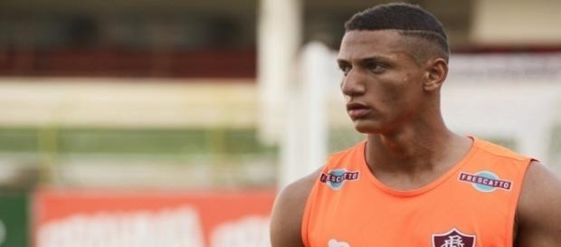 Rivharlison treina neste sábado e deve enfrentar o Atlético-PR (Foto: Arquivo)