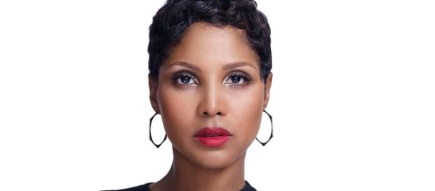 Toni Braxton publicity photo by Umusic, courtesy of Wikimedia Commons