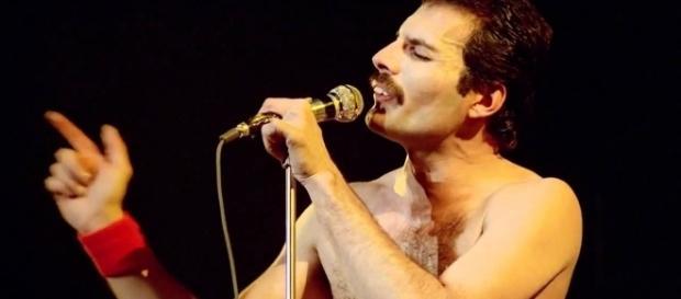 Freddie Mercury, a 25 anni dalla sua morte un mito insuperabile