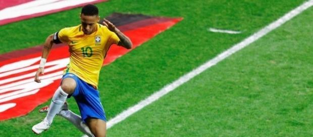 Neymar celebra su gol en la victoria 3-0 frente a la Selección Argentina