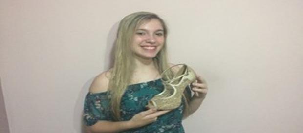 Prestes a debutar, menina reencontra sapatos perdidos para a festa (Foto: Arquivo Pessoal)