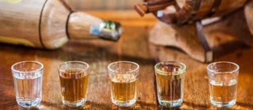 Até que ponto beber cachaça pode ser bom para a nossa saúde?