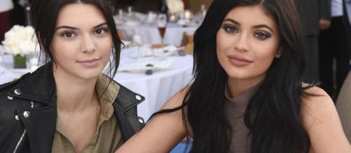 Kylie Jenner Sucks Kendall's Tongue, Isn't Bella Thorne's Mean Girl - inquisitr.com