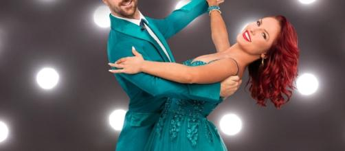 """Sharna Burgess returns to """"Dancing with the Stars"""" - Photo: Blasting News Library - thecelebrityauction.com"""