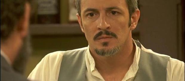 Alfonso Castaneda, marito di Emilia Ulloa.