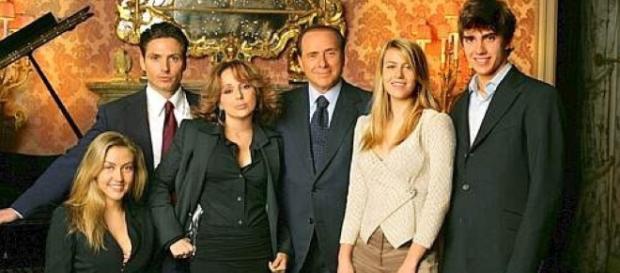 Berlusconi con i figli, una grande famiglia in crescita