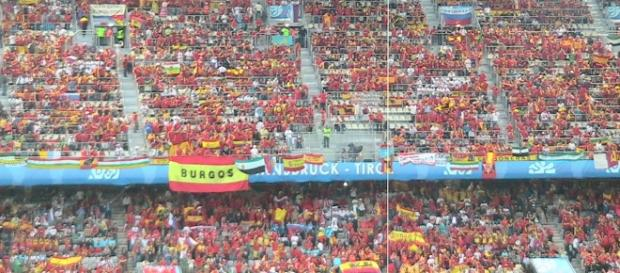 England vs Spain [image:upload.wikimedia.org]