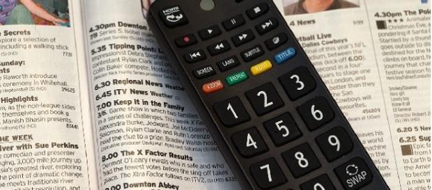 Guida programmi: stasera cosa c'è in tv? Programmazione Rai, Mediaset e Sky