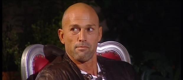 Indagato Stefano Bettarini ed altre 6 persone