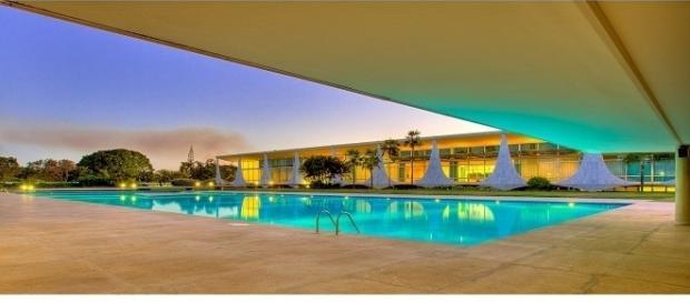 Indícios apontam que, piscina do Palácio pode ter sido totalmente renovada por Odebrecht.