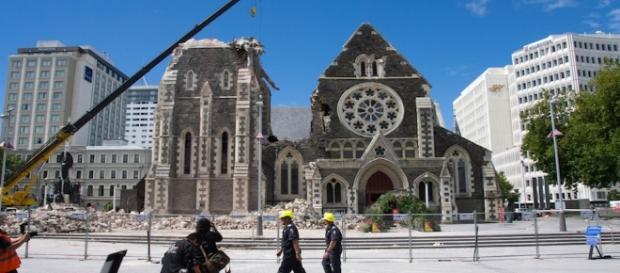 La facciata della cattedrale di Christchurch, dopo il terremoto del 2011 in Nuova Zelanda