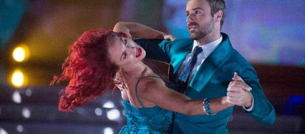 Sharna Burgess and James Hinchcliffe on 'Dancing with the Stars - Photo: Blasting News Library - indycar.com