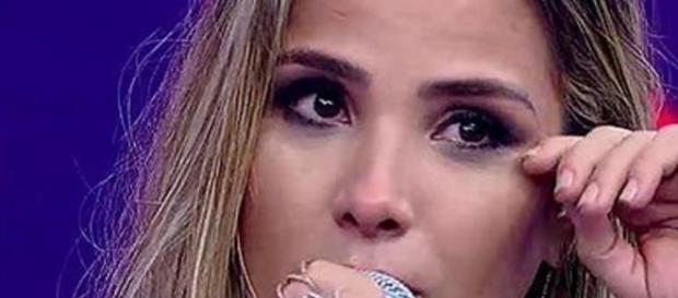 Wanessa chora em atração da TV