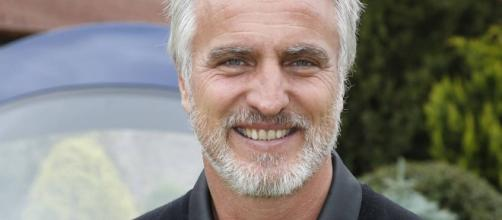 David Ginola présente la France a un incroyable talent - purepeople.com