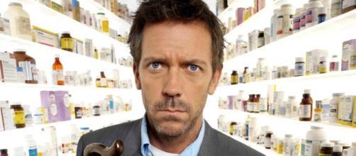 Hugh Laurie da Dr. House a Dr. Chance: torna il medico più cool ... - play4movie.com