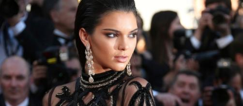 Kendall Jenner deletes her Instagram account after online abuse ... - thesun.co.uk