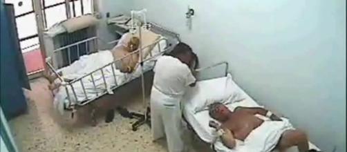 Maestro legato mani e piedi in ospedale: medici e infermieri condannati
