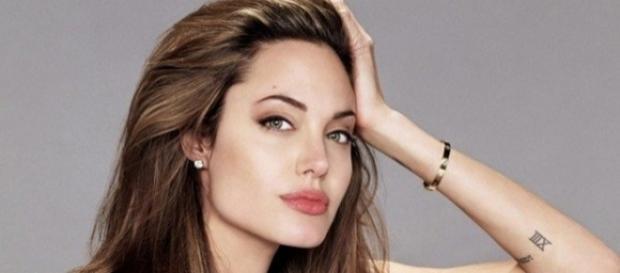 Angelina Jolie é uma atriz muito famosa