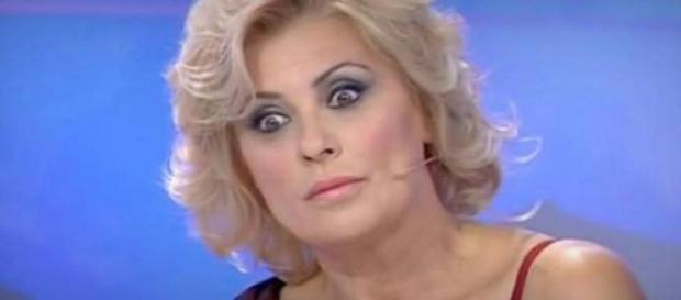 Momenti bui per Tina Cipollari? - Novella 2000 - novella2000.it