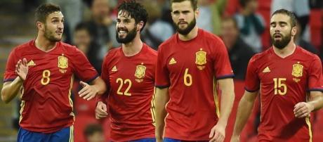 Isco, protagonista principal en la victoria de España. Foto: Andy Rain / EFE