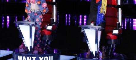 Will Miley or Alicia lose an artist on The Voice elimination tonight? (Image via Blasting News image library - eonline.com)