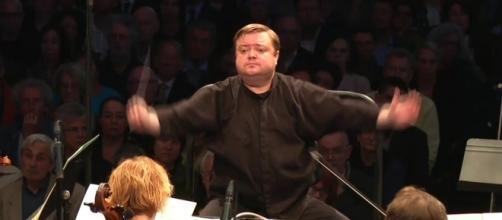 Il direttore d'orchestra Mikko Franck e L'Orchestre Philharmonique de Radio France