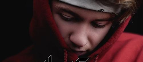 La copertina del singolo di HeatFox.