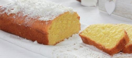 Plumcake al cocco di Anna Moroni.