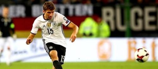 Thomas Müller durante a partida contra San Marino. Declarações do atacante geraram polêmica
